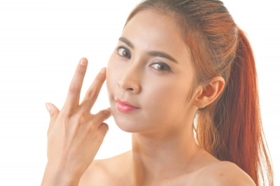 女性 顔 産毛