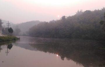 チェンマイ 大気汚染 夕日