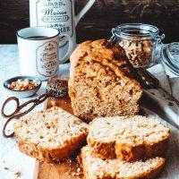 Erdnussbutterkuchen mit Caramel Fudge
