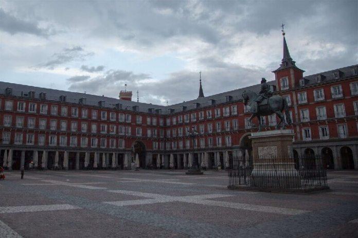 Plaza mayor madrid ciudades vacías por coronavirus