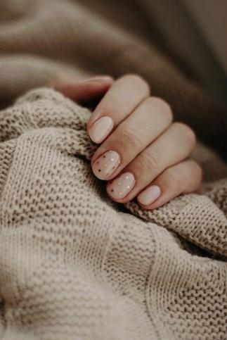 decoraciones de uñas fácil con lunares