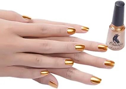 2021 diseños de uñas rayadas doradas