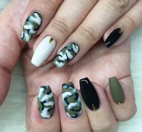 uñas de color verdes