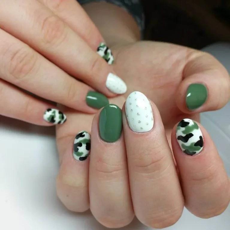 color militares en uñas