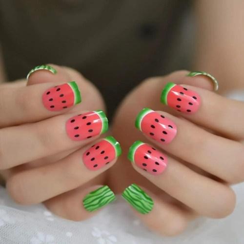Diseños de uñas Sandia 2021