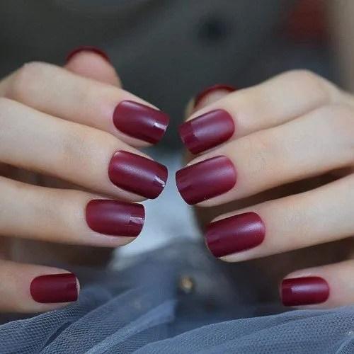 QULIN Vino rojo Clavo mate Cuadrado Color sólido Adulto Artificial Uñas postizas Medio Simple DIY Uñas acrílicas 24pcs