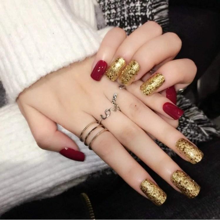 Uñas de Navideñas de Navidad 2021 Color rojo y dorada