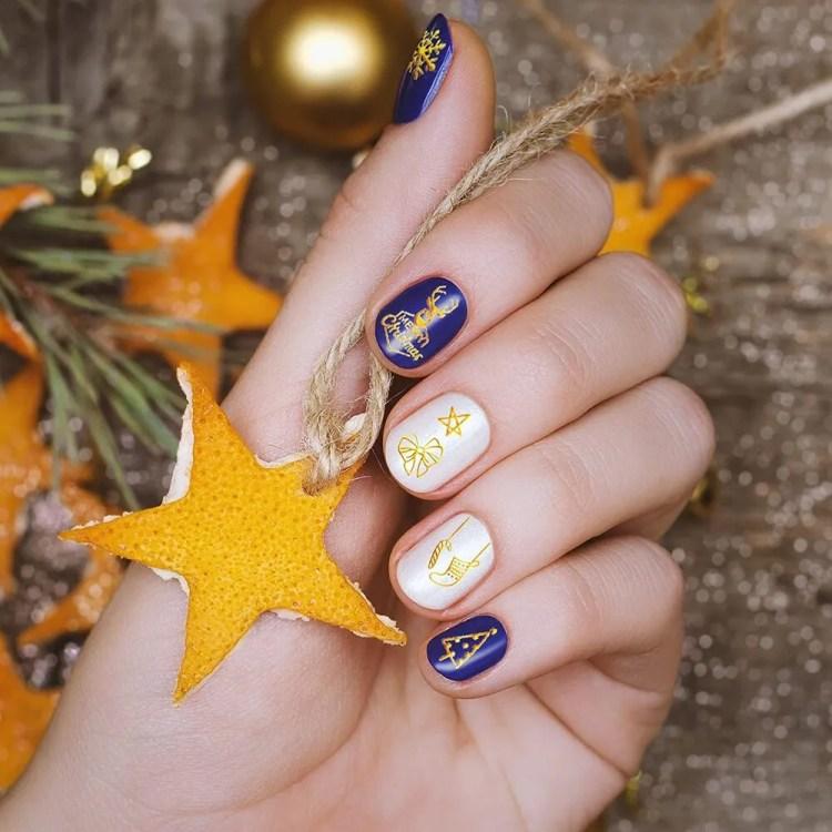 Uñas de Navideñas de Navidad 2021 Color Banco y Azul