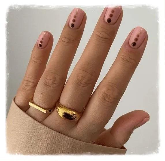 diseños de uñas semipermantes francesas modas de puntitos