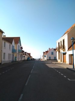 au bout de la rue