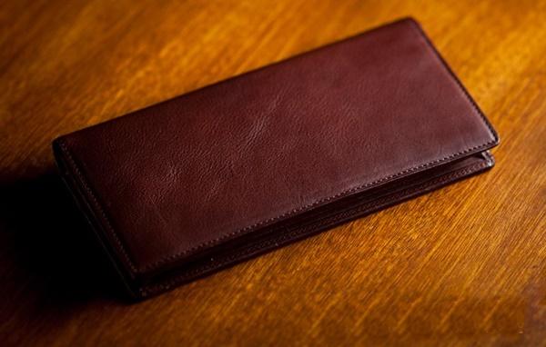 マルティーニ・アーバンウォレットの長財布