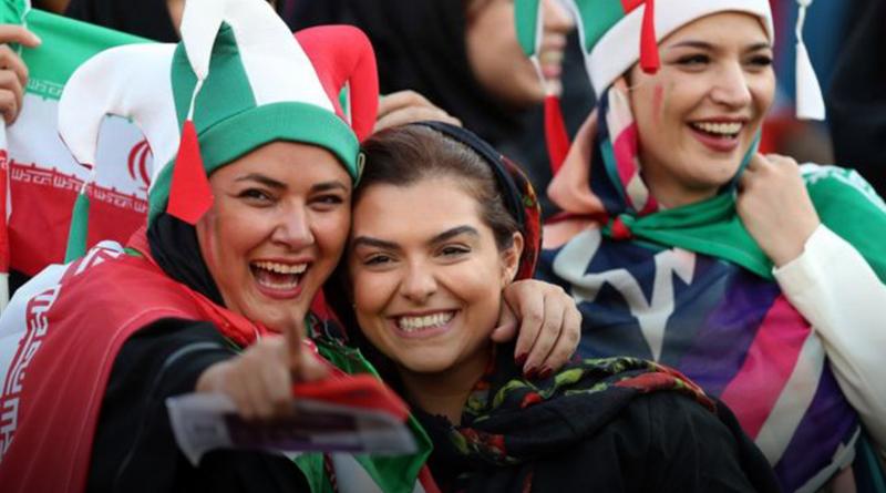 Por primera vez en 40 años, las mujeres fueron a un partido de fútbol en Irán