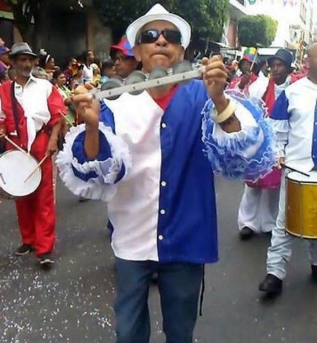 Muere dirigente político durante desfile de Carnaval en Los Teques