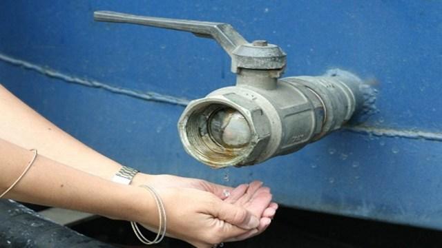Vecinos de Lomas de Urquia parte alta llevan más de 20 días sin agua