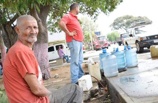 El régimen de Maduro siente la presión: Venezuela despierta con múltiples protestas por la crisis del agua