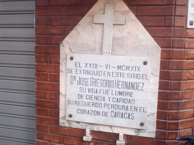 Piden restaurar casa de José Gregorio Hernández en Caracas transformada en estacionamiento