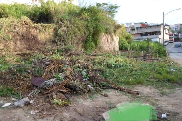 Habitantes de El Trigo alertan sobre invasión de terreno privado en su urbanización