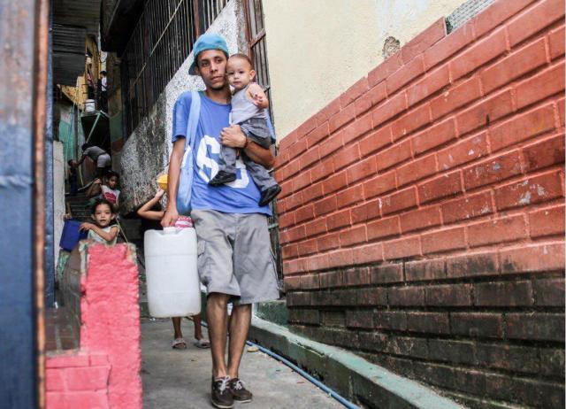 Habitantes de Caracas y Valencia expuestos al Covid-19 ante falta y mala calidad de agua