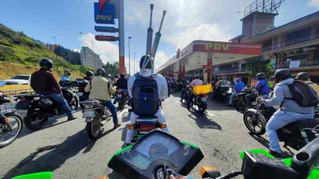 Motorizados altomirandinos denuncian que son «discriminados» en E/S a la hora de repostar gasolina