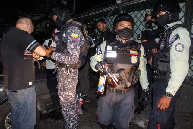 Policarrizal acaban con «coronas Party» durante el fin de semana