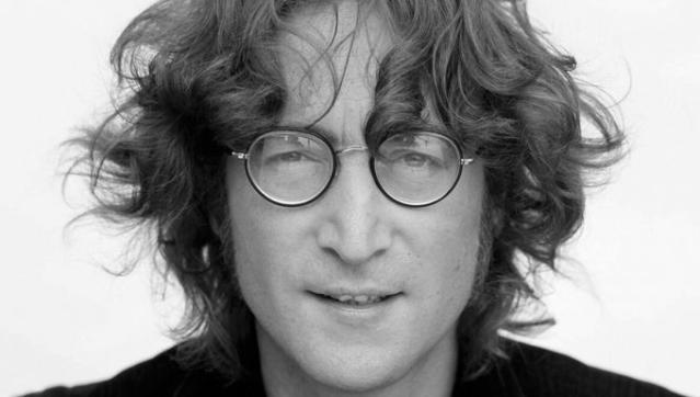 El disco que John Lennon le firmó a su asesino podría ser subastado por $2 millones