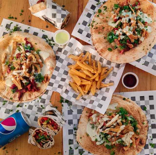 Zona Shawarma, un container que revoluciona los paladares altomirandinos