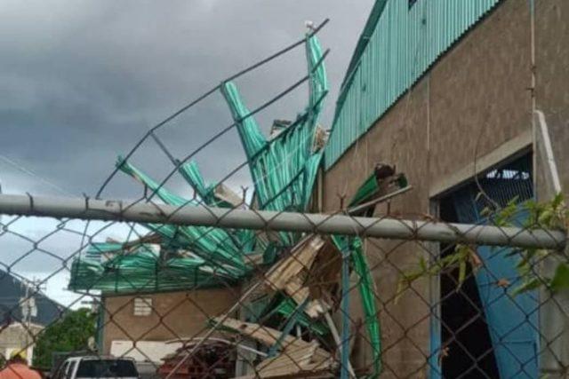 Tornado en Margarita causó daños en al menos 20 casas