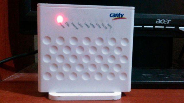 Más de 18 meses sin teléfono ni internet de CANTV tienen en La Macarena Sur