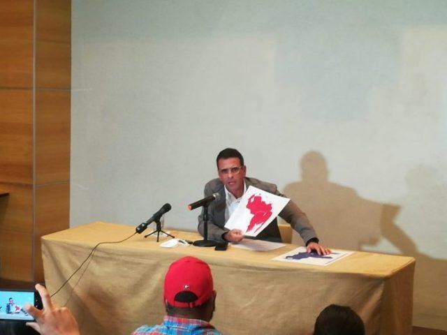 Capriles llama a unificar el voto de la oposición