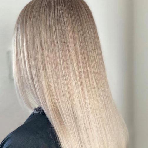 Kallblond hårfärg