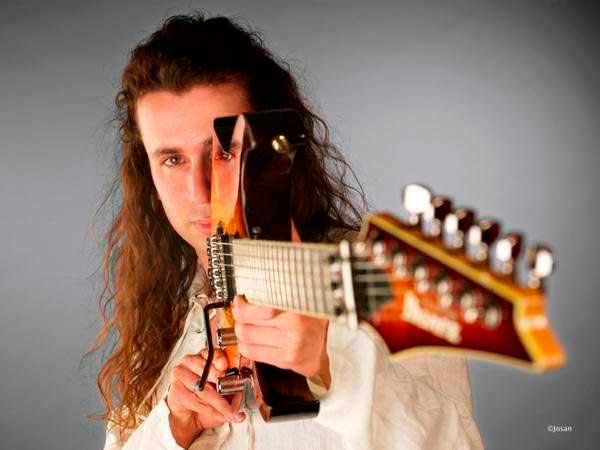 Robert Rodrigo guitarrista
