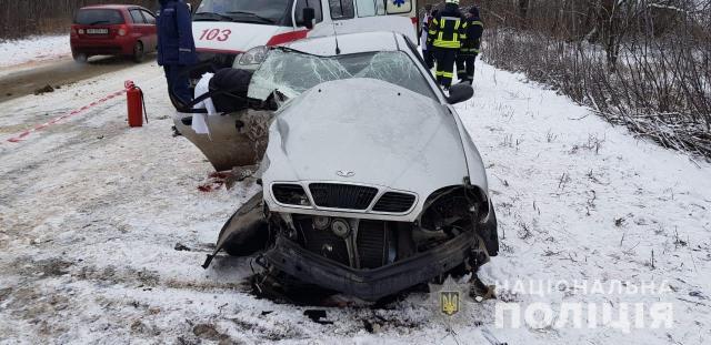 ДТП в Одесской области: одна пассажирка погибла, а еще пятеро человек, двое из которых дети, попали в больницу. Фото