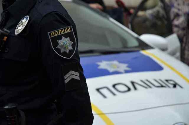 Предвыборная кампания в Одессе: 19 админпротоколов и поврежденный билборд. Фото