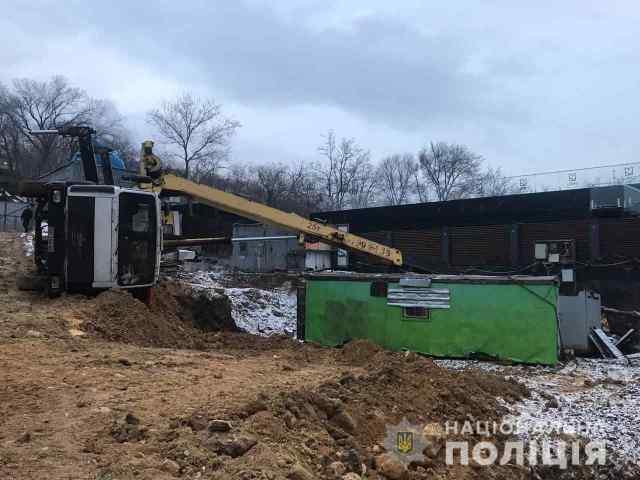 Прокуратура хочет снова арестовать строительную площадку на «Ланжероне», где рабочего насмерть придавило краном