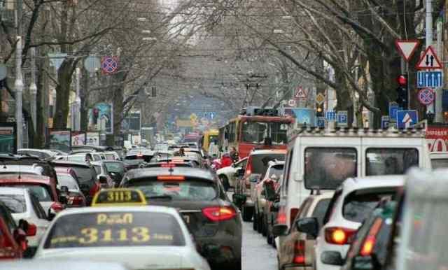 Дорога на работу: в Одессе наблюдаются десятибалльные пробки