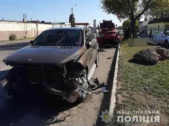 Под Одессой 16-летний парень на «Mercedes» попал в ДТП: есть погибшие. Видео