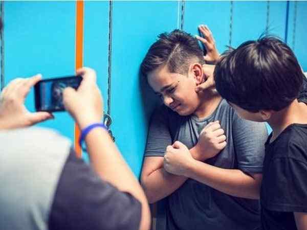В Болграде оштрафовали женщину, чей сын «изнасиловал» одноклассника на перемене