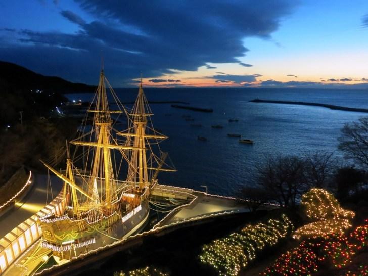 【11月9日(金)〜1月6日(日)】サン・ファン・イルミネーションツリー2018|サン・ファン・バウティスタの船体をライトアップで幻想的に彩ります。太平洋に浮かぶ黄金色の船体は必見。