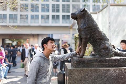 渋谷でナンパしてハチ公前で地蔵する人
