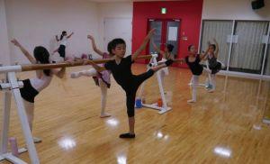 清和台バレエ教室 練習風景1
