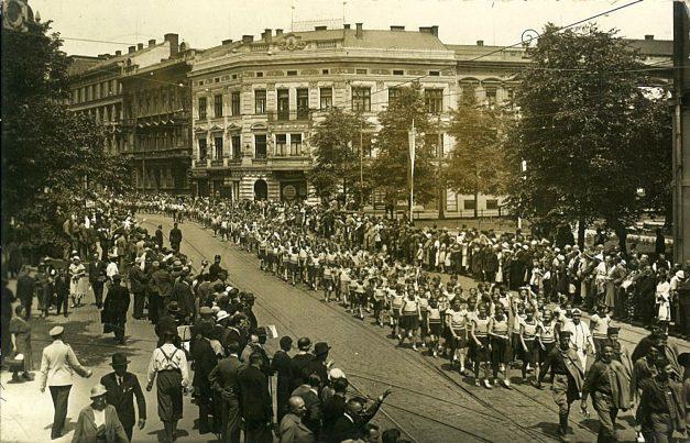Саша Недељковић: САВЕЗ СОКОЛА НА X СВЕСЛОВЕНСКОМ СЛЕТУ У ПРАГУ 1938.