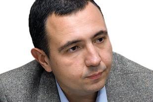 Жарко  Јанковић: Зачеци  русофобије  политички-коректног  режимског  ''дисидента''  Драгомира  Анђелковића