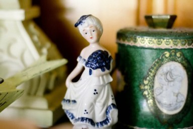 public-domain-images-free-stock-photos-porcelain-figure-vintage-british-17thcentury-style-1-1000x666
