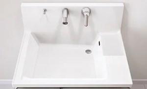ファミーユはコンパクトな壁出し水栓が衛生的