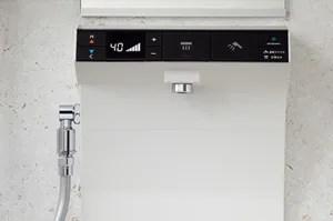 おじいちゃんからお孫さんまで安全なLクラスバスルームの「らくピタ水栓」