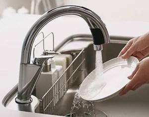衛生的で節水もできる「ハンズフリー水栓」