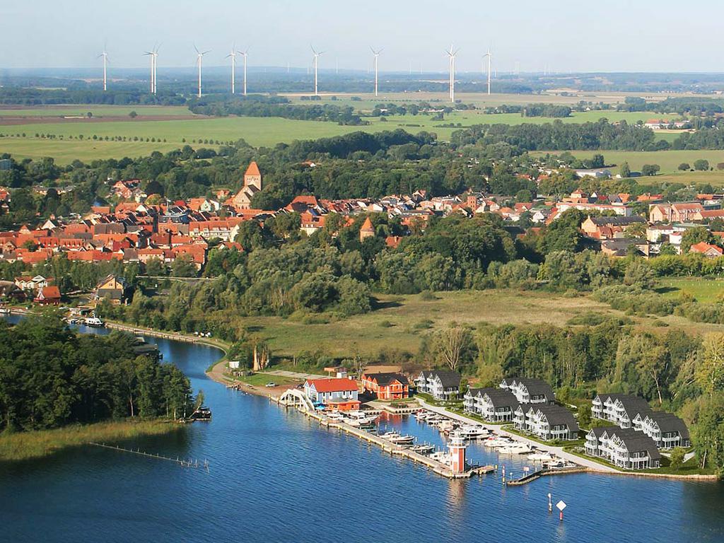 Hafendorf Plau am See