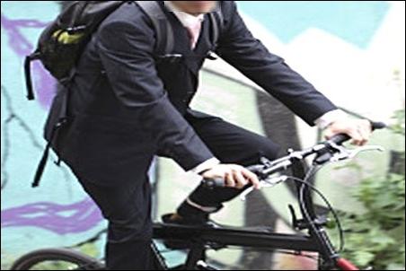 ザノースフェイス シャトルデイパック NM81602 自転車 オートバイ バイク 通勤 通学 ユーザー チェストストラップ チェストベルト ニーズ 需要 必要 写真 画像