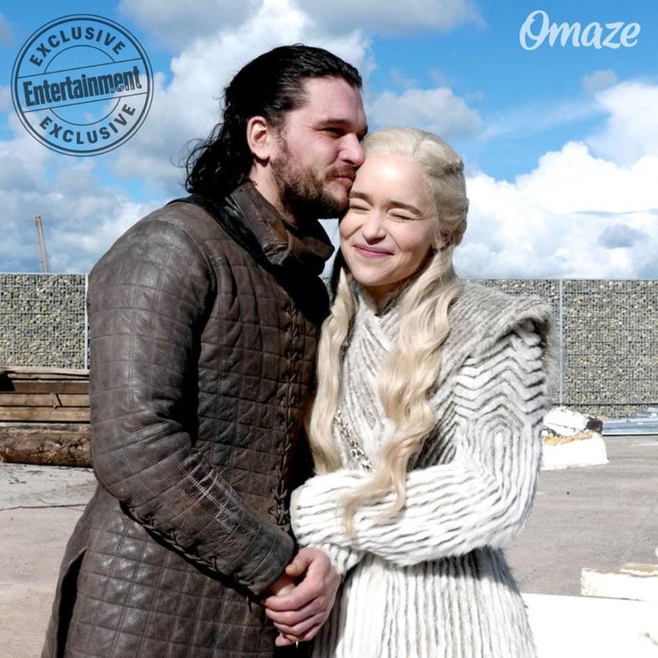 Kit Harington como Jon Snow y Emilia Clarke como Daenerys Targaryen en la octava temporada de Juego de Tronos Game of Thrones