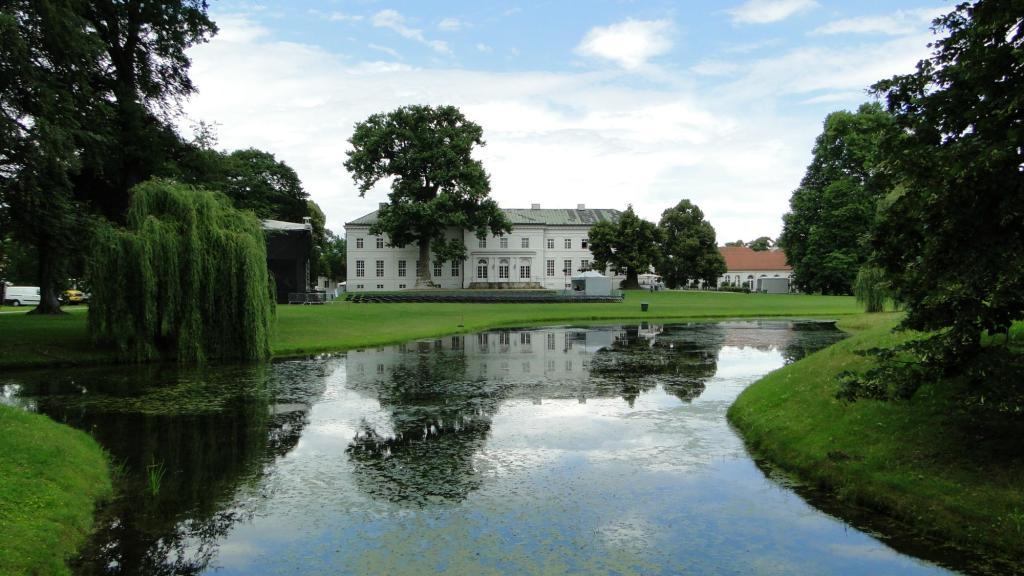 Mniej znane zamki w Brandenbrgii - zamek w Neuhardenberg
